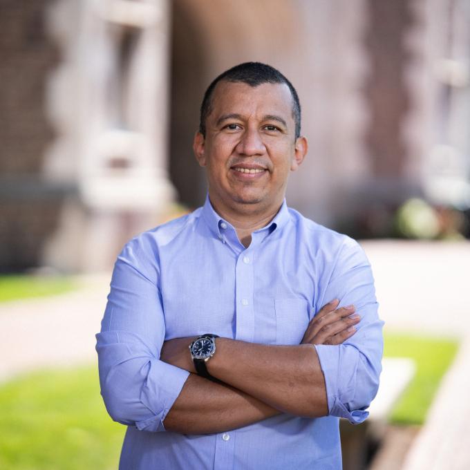 Headshot of Ted Enamorado